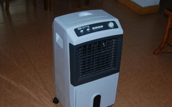 空调扇漏水